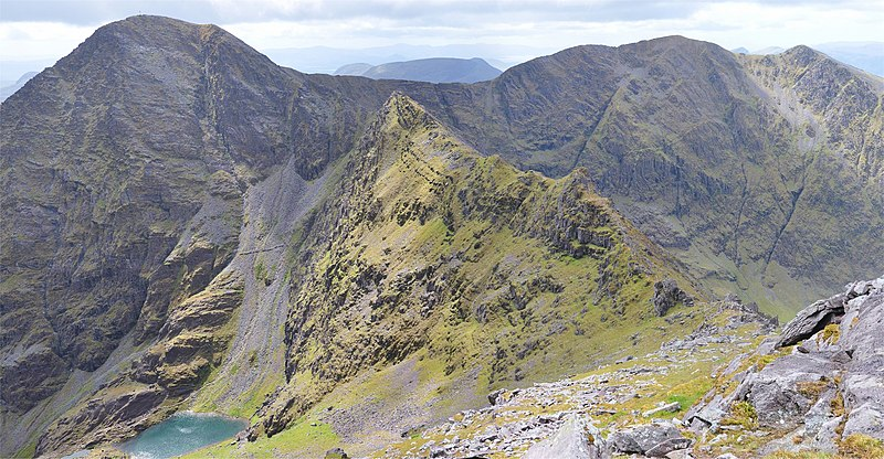 Carrauntoohil hiking trail
